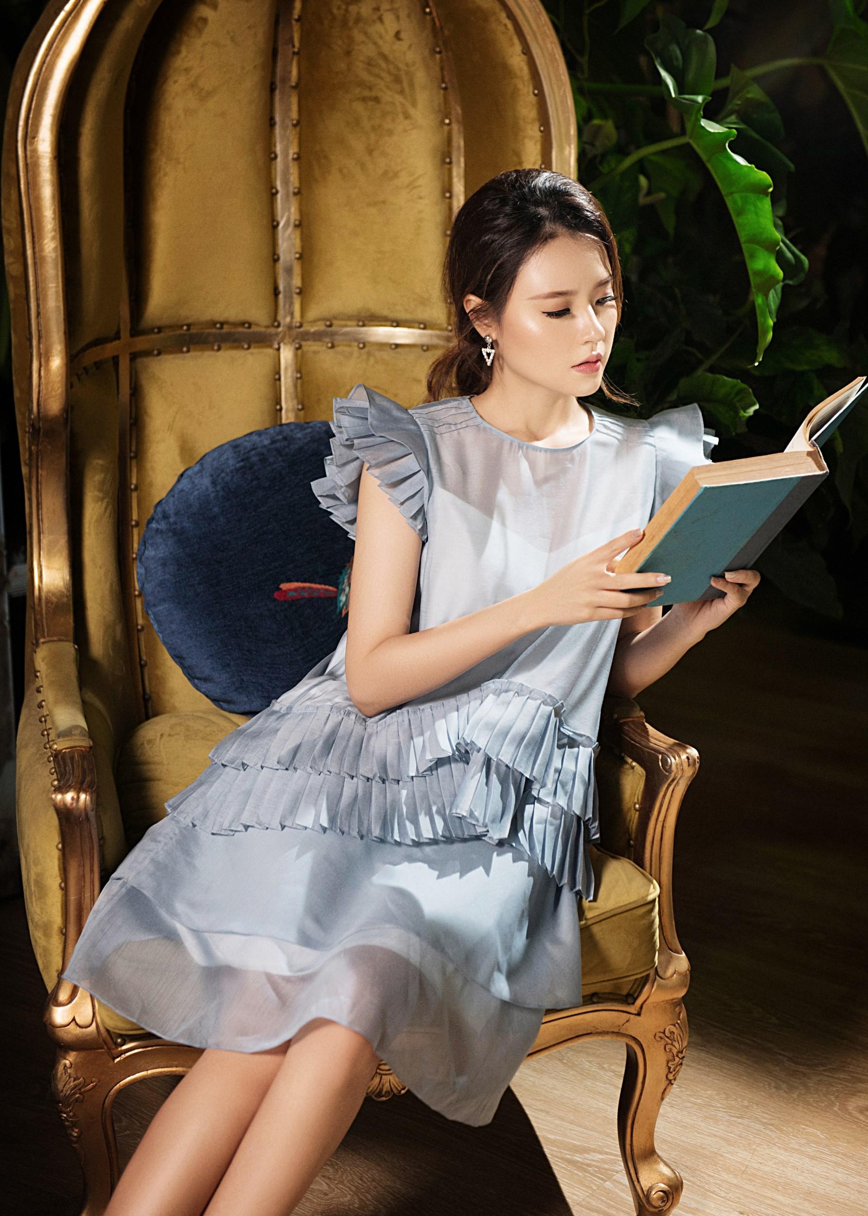 Quý phái bên tách trà chiều, Midu hóa quý cô mơ mộng - Ảnh 3.