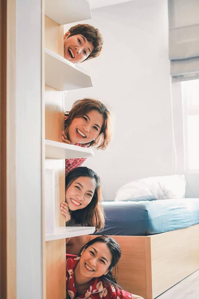 Từng nhiều lần nghỉ chơi, sau cùng 4 cô nàng này vẫn quyết định quay về bên nhau và thực hiện bộ ảnh kỷ niệm 20 năm tình bạn - Ảnh 11.