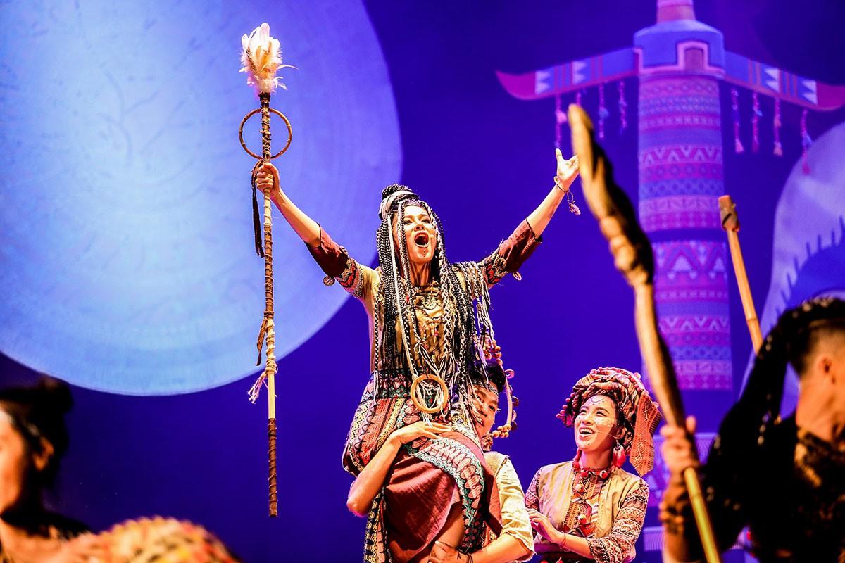 Khả Như làm công chúa, Cát Tường hóa lão bà đầy quyền lực - Ảnh 5.