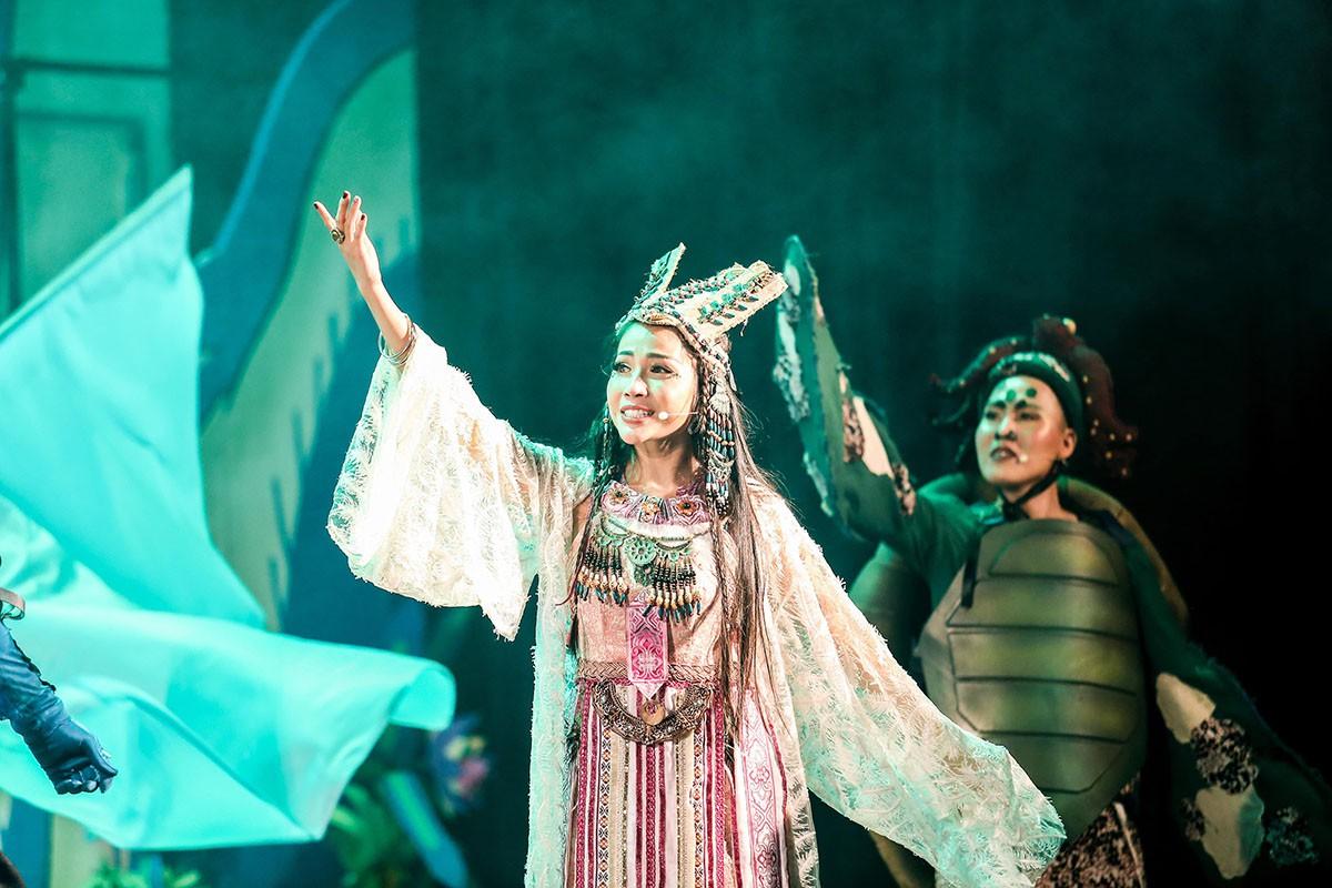 Khả Như làm công chúa, Cát Tường hóa lão bà đầy quyền lực - Ảnh 2.