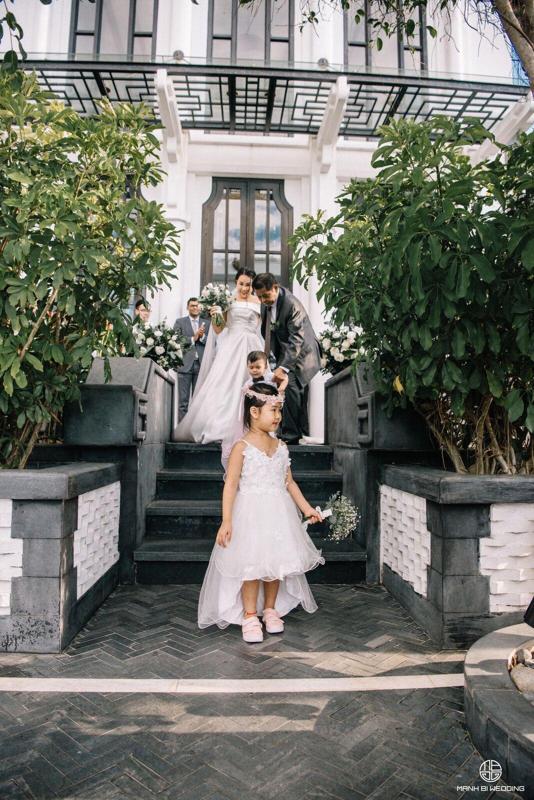 Nhà văn Gào chia sẻ nhiều thông tin thú vị về đám cưới như mơ ngay sau tiệc cưới hoành tráng trên bờ biển - Ảnh 12.