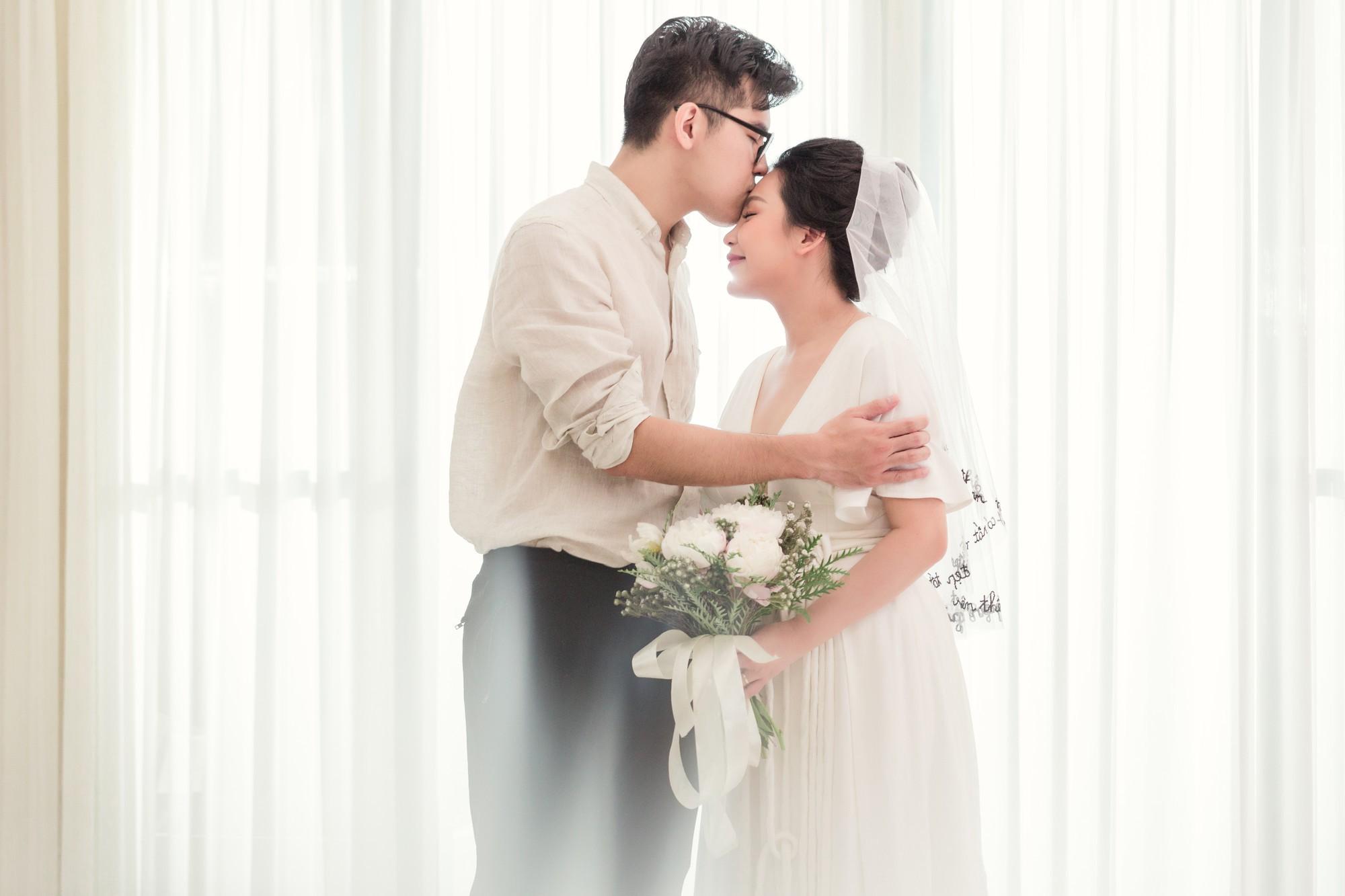 Trước giờ G cử hành hôn lễ, nhà văn Gào chia sẻ những hình ảnh về tiệc chia tay thời độc thân cùng dàn phù dâu xinh đẹp - Ảnh 3.