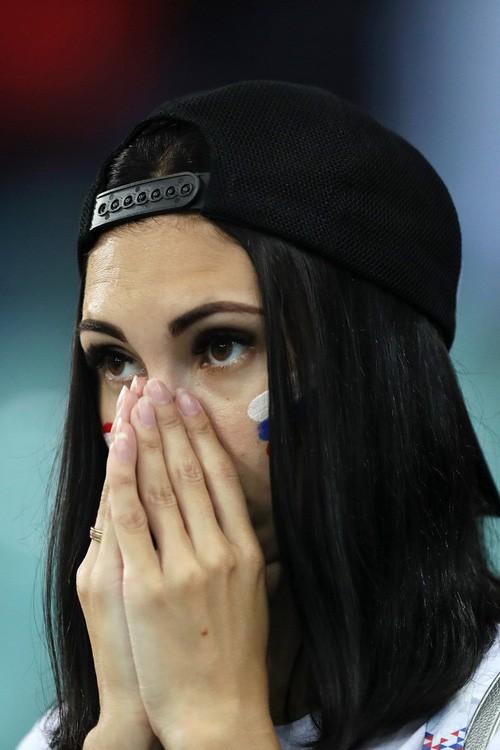 Khán giả Nga trải qua mọi cung bậc cảm xúc để rồi đau khổ nhìn đội nhà bị loại - Ảnh 10.