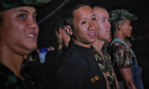 Đội bóng Thái mắc kẹt: thêm 4 cậu bé được đưa ra ngoài, khép lại ngày giải cứu thứ 2  - Ảnh 33.