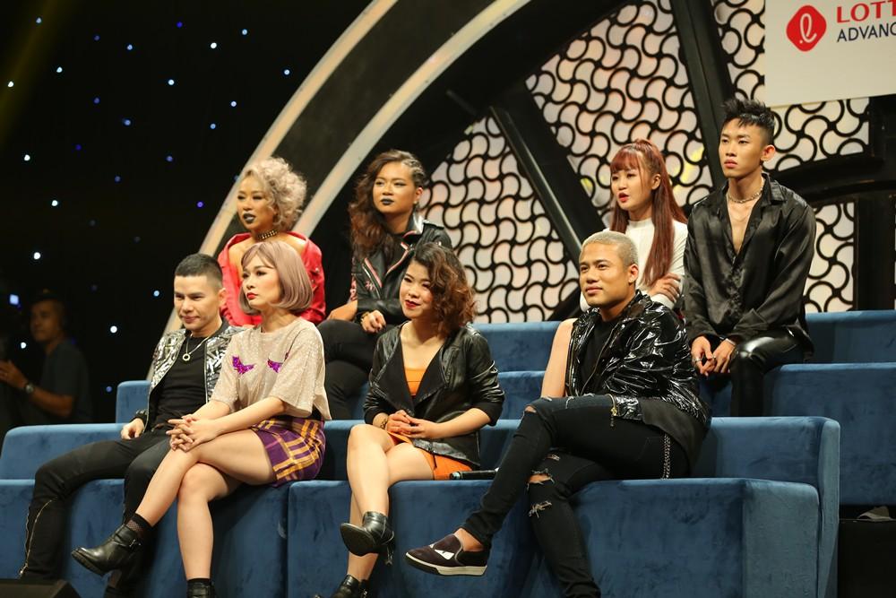 """Sau ồn ào bị người yêu cũ lừa đảo, Liêu Hà Trinh khiến khán giả chao đảo với hit """"Em gái mưa"""" - Ảnh 1."""