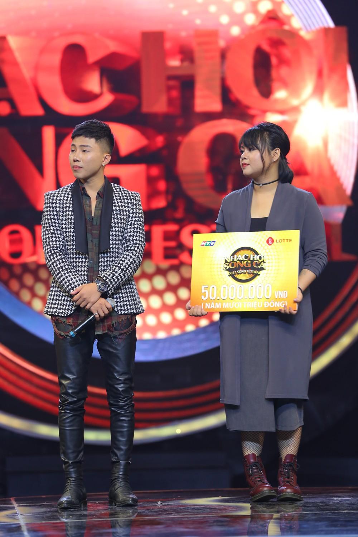 """Sau ồn ào bị người yêu cũ lừa đảo, Liêu Hà Trinh khiến khán giả chao đảo với hit """"Em gái mưa"""" - Ảnh 4."""