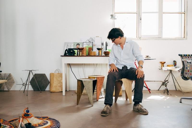 Ông bố đơn thân tận dụng 5000 vỏ chai nhựa trang trí nhà độc đáo dành tặng con gái - Ảnh 8.