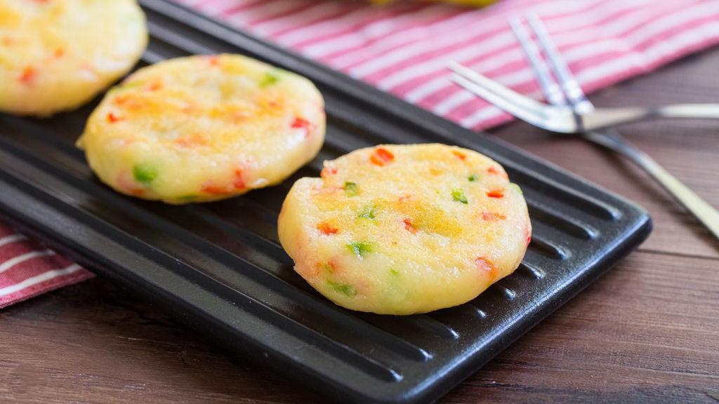 Bé nhẹ cân - mẹ làm ngay bánh khoai tây kiểu này cho con ăn xế nhé! - Ảnh 5.