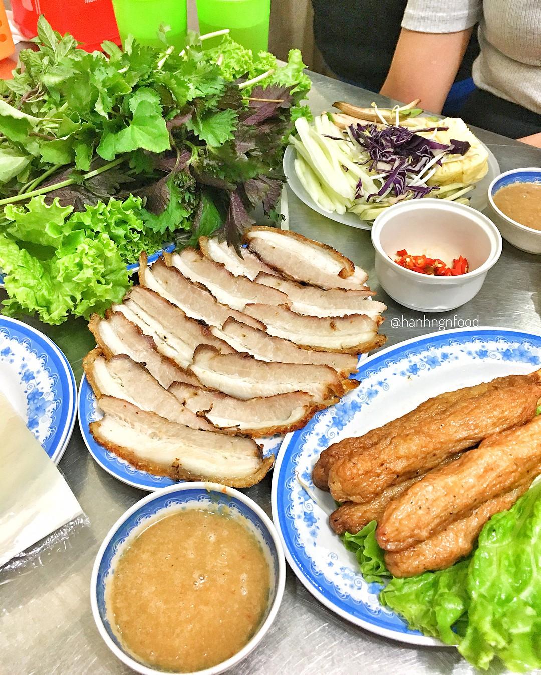 4 địa chỉ bánh tráng cuốn thịt heo ngon, giá bình dân cho những ngày Hà Nội mưa nắng thất thường - Ảnh 6.