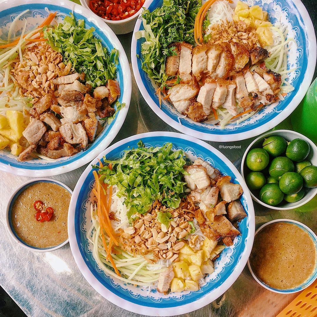4 địa chỉ bánh tráng cuốn thịt heo ngon, giá bình dân cho những ngày Hà Nội mưa nắng thất thường - Ảnh 9.