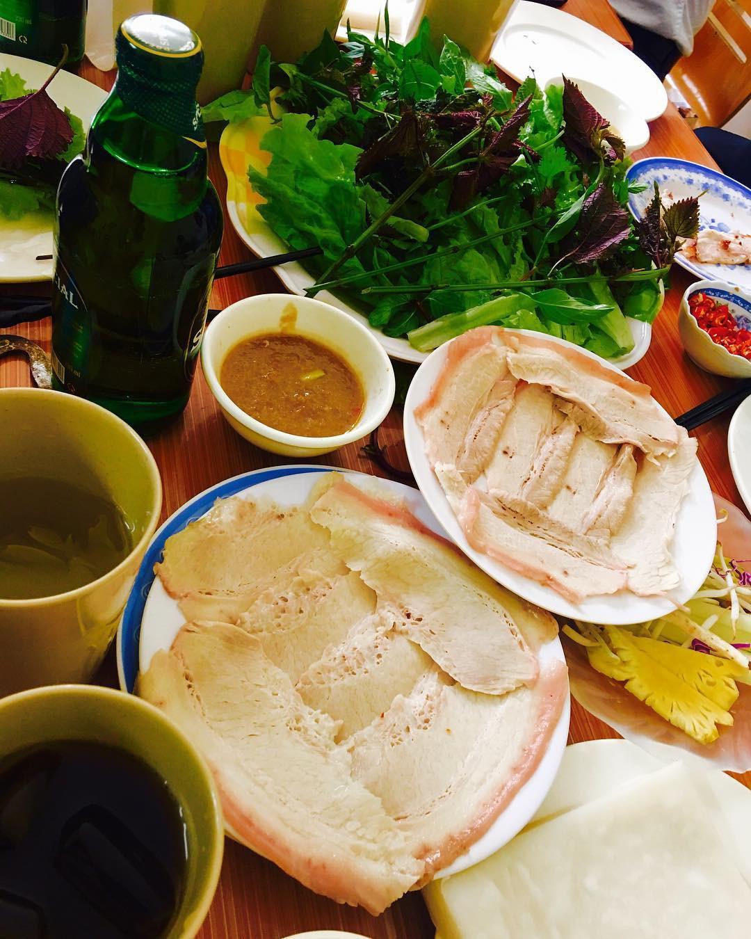 4 địa chỉ bánh tráng cuốn thịt heo ngon, giá bình dân cho những ngày Hà Nội mưa nắng thất thường - Ảnh 11.
