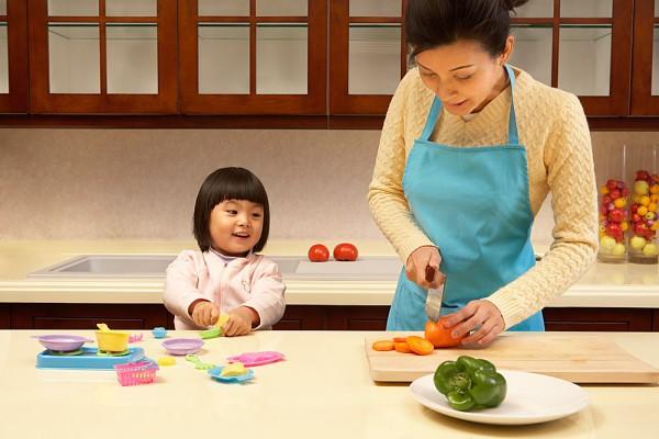 Thay vì ép con ăn, đây là cách các mẹ Nhật áp dụng để trẻ hay ăn chóng lớn - Ảnh 3.