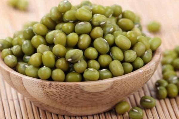 Ăn đậu xanh vừa giải nhiệt, làm đẹp da lại còn chữa được bệnh, hãy tăng cường bổ sung vào mùa hè này - Ảnh 1.
