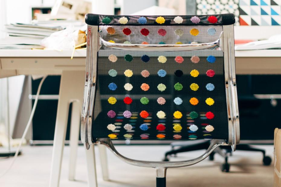Ông bố đơn thân tận dụng 5000 vỏ chai nhựa trang trí nhà độc đáo dành tặng con gái - Ảnh 15.