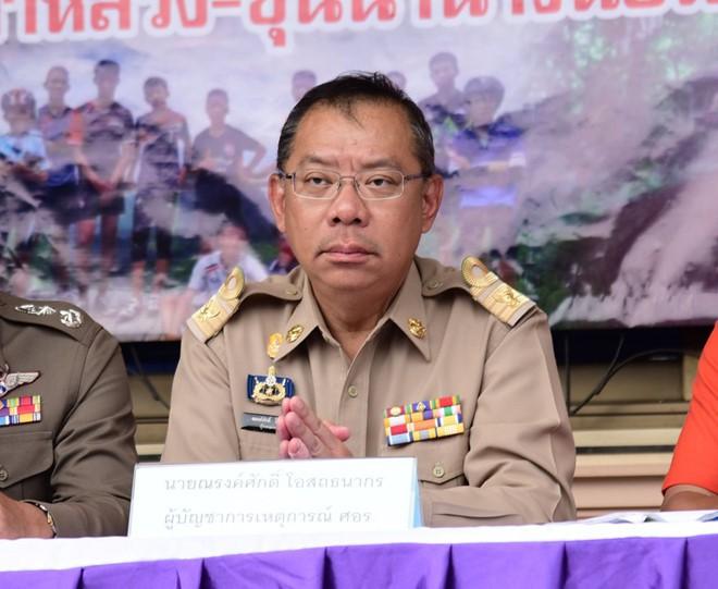 Đội bóng Thái mắc kẹt: thêm 4 cậu bé được đưa ra ngoài, khép lại ngày giải cứu thứ 2  - Ảnh 11.