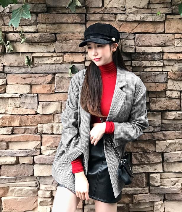Diện trang phục mùa đông sao cho vừa nổi bật lại vừa thanh lịch thì bạn chẳng thể bỏ qua 3 combo màu sắc này - Ảnh 9.