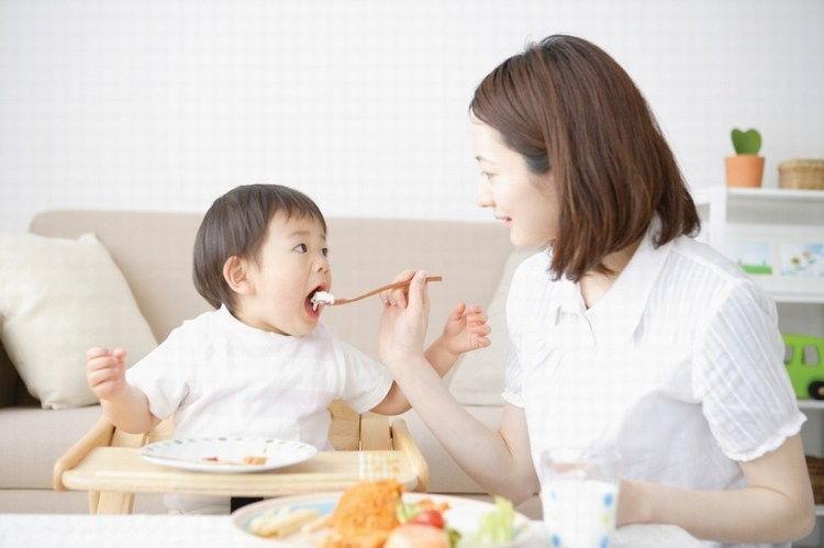 Công thức 5 món ăn vặt cho bé vừa lạ miệng, vừa hấp dẫn, đến những bé biếng ăn nhất cũng không từ chối - Ảnh 1.