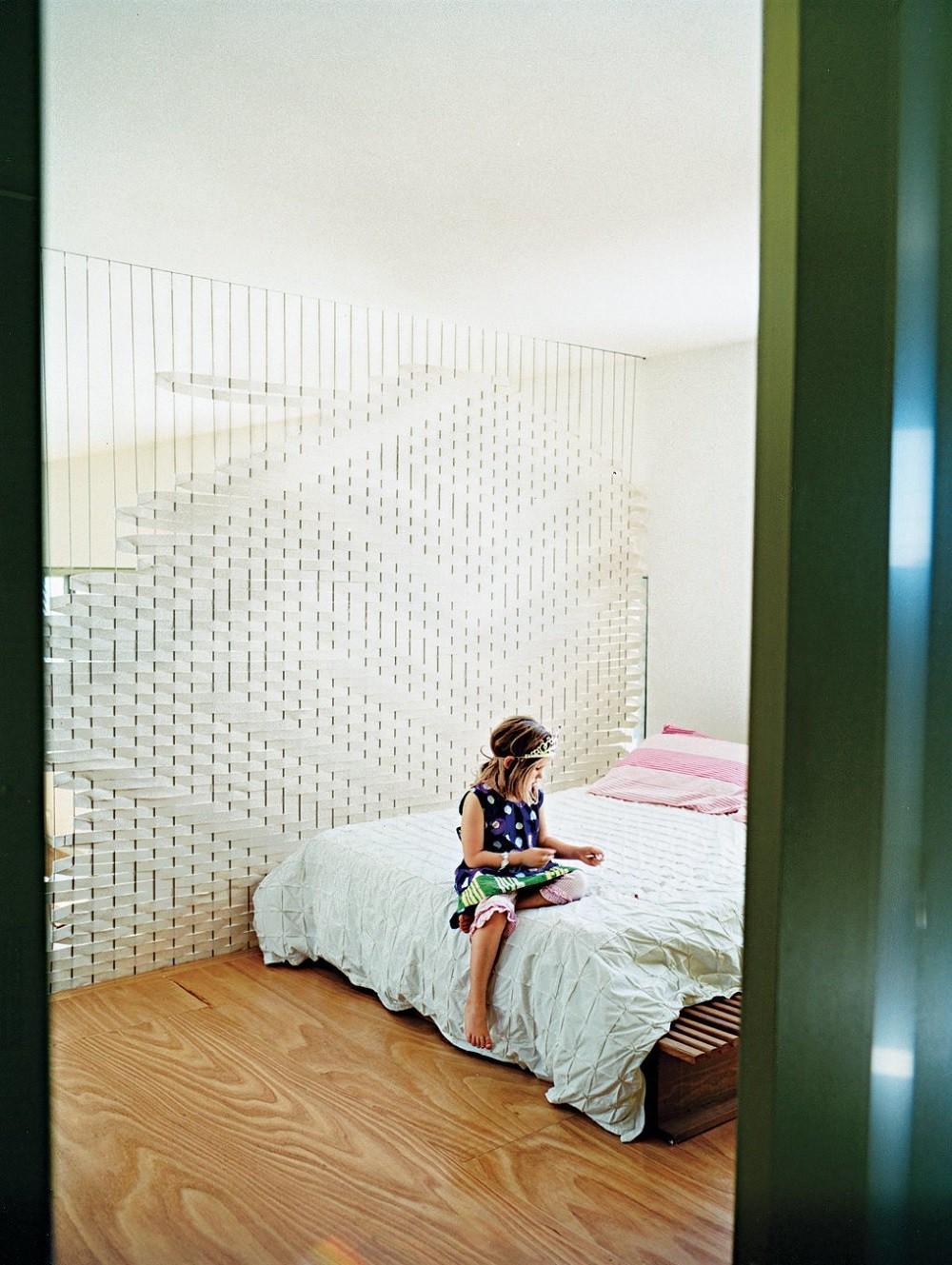 """10 thiết kế phòng ngủ dưới đây sẽ cho bạn thấy dù nhà bạn có chật thế nào, kiến trúc sư vẫn """"xơi tái"""" được hết - Ảnh 7."""