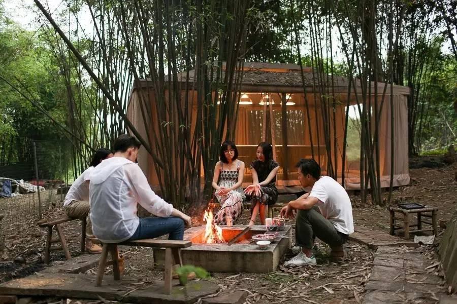 Với 33 triệu đồng, hai chàng trai trẻ đã tự tay xây ngôi nhà nhỏ đẹp lãng mạn giữa rừng tre trúc - Ảnh 12.