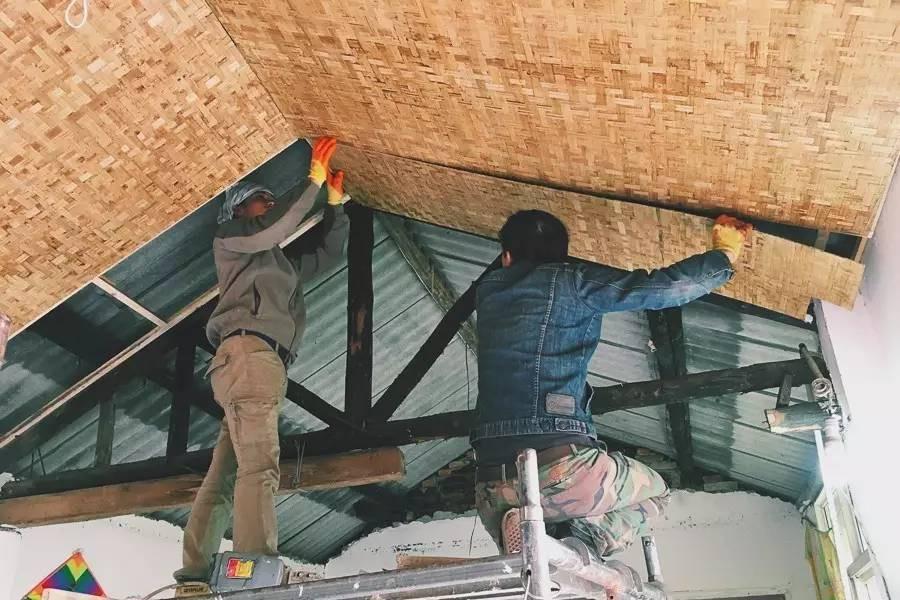Với 33 triệu đồng, hai chàng trai trẻ đã tự tay xây ngôi nhà nhỏ đẹp lãng mạn giữa rừng tre trúc - Ảnh 3.