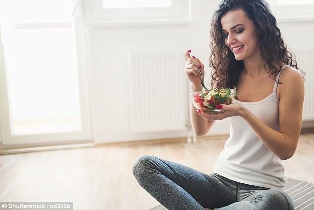 Học theo xu hướng không ăn thịt trong 9 tháng để có làn da đẹp, đầu óc minh mẫn và cái kết không ngờ mà cô gái nhận về - Ảnh 1.