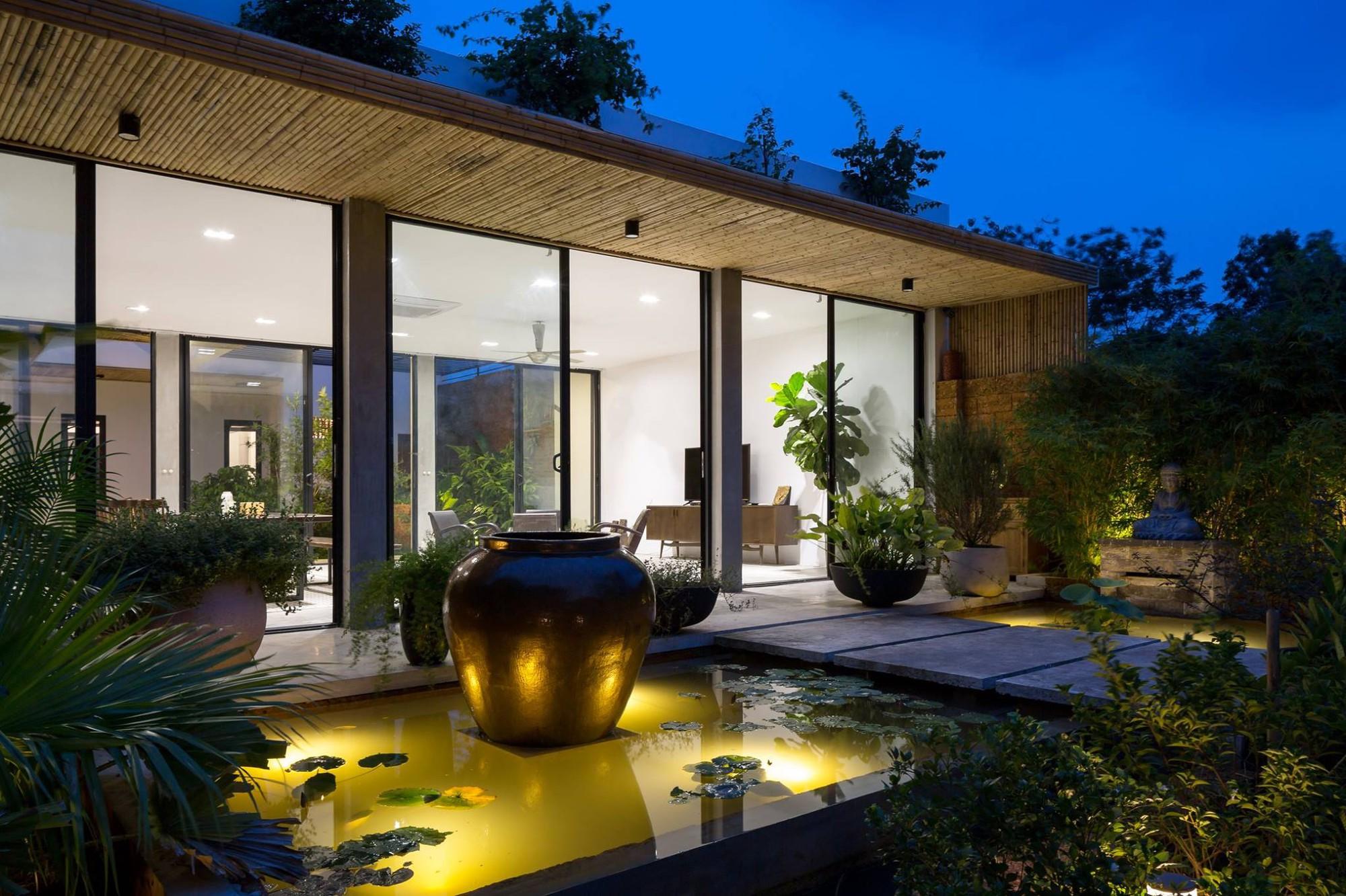 Ngôi nhà cấp 4 chan hòa ánh nắng và cây xanh mang lại vẻ yên bình đến khó tin ở Hà Nội - Ảnh 10.