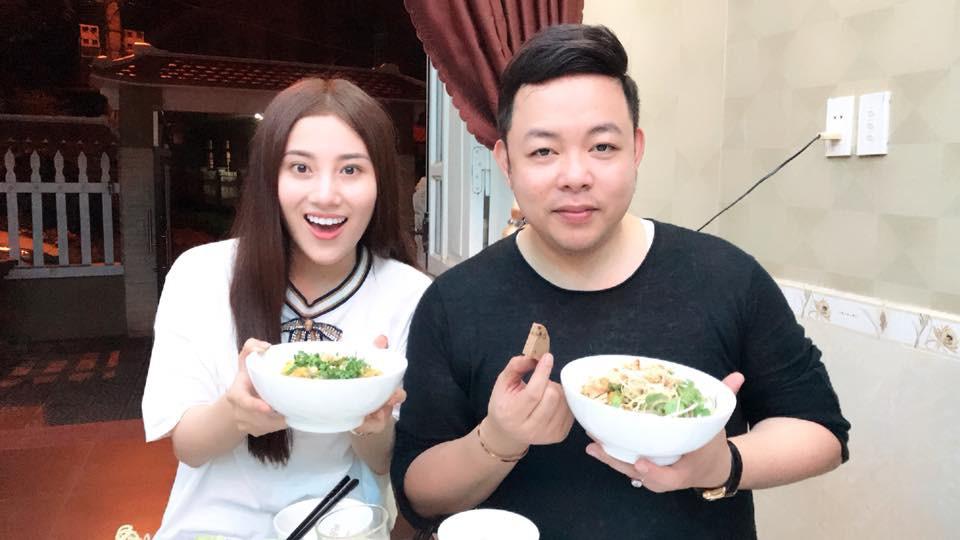 Nhận Tố My làm em gái, Quang Lê về tận Đà Nẵng ra mắt gia đình người đẹp  - Ảnh 1.