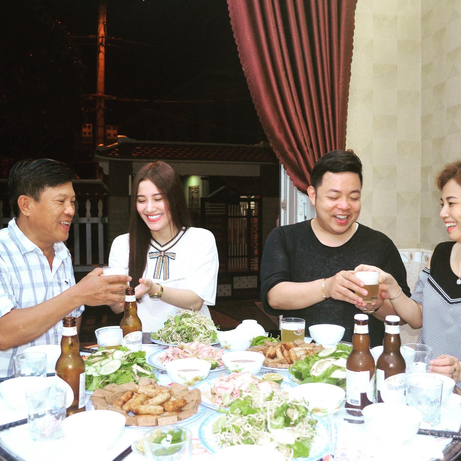 Nhận Tố My làm em gái, Quang Lê về tận Đà Nẵng ra mắt gia đình người đẹp  - Ảnh 3.
