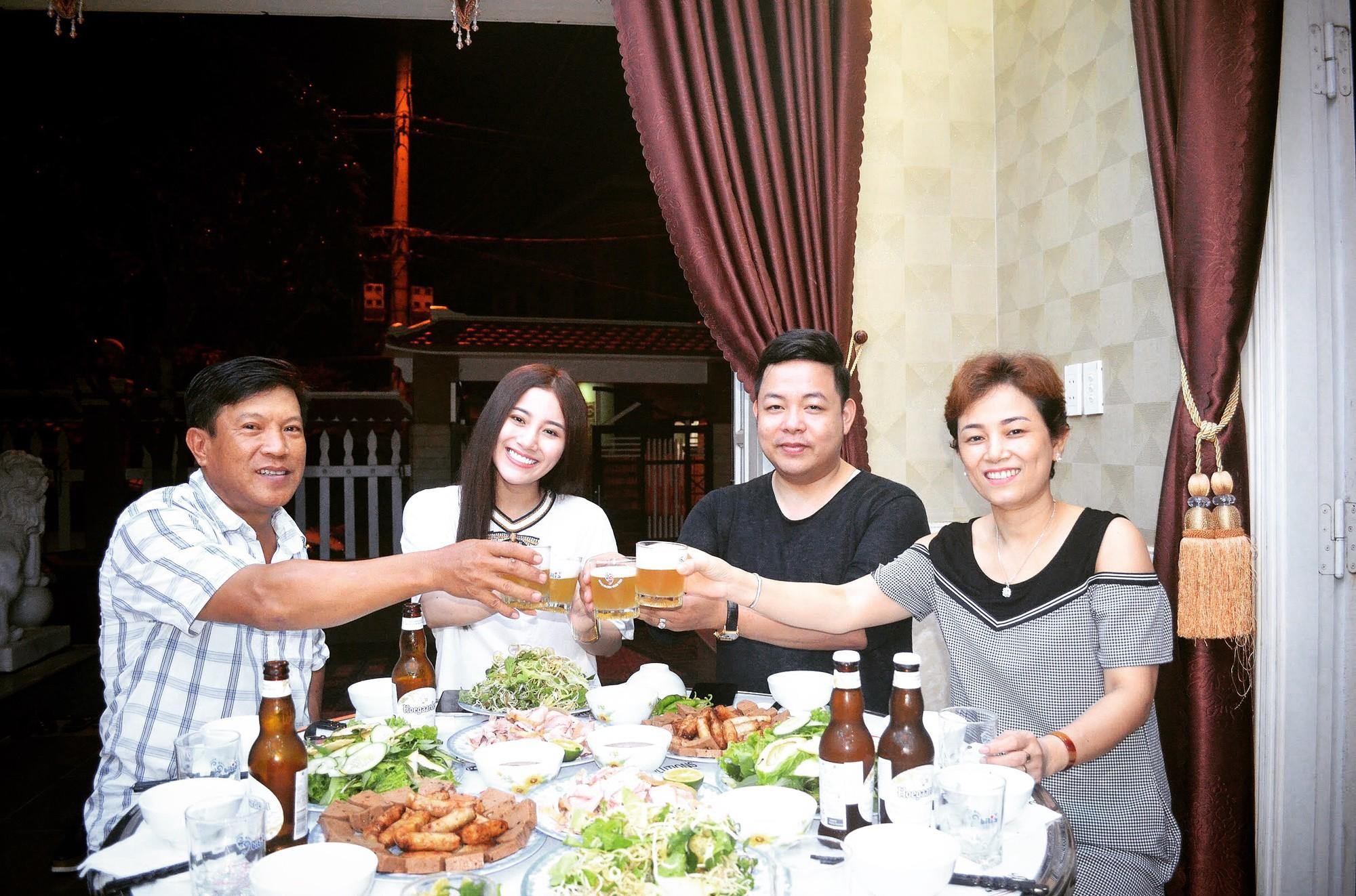 Nhận Tố My làm em gái, Quang Lê về tận Đà Nẵng ra mắt gia đình người đẹp  - Ảnh 4.