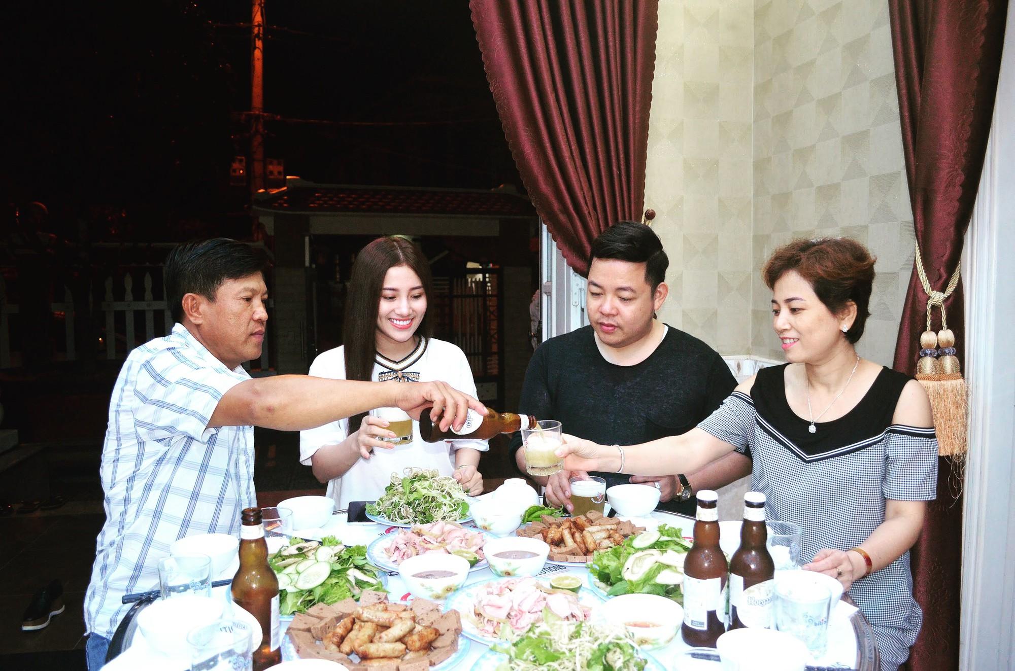 Nhận Tố My làm em gái, Quang Lê về tận Đà Nẵng ra mắt gia đình người đẹp  - Ảnh 5.