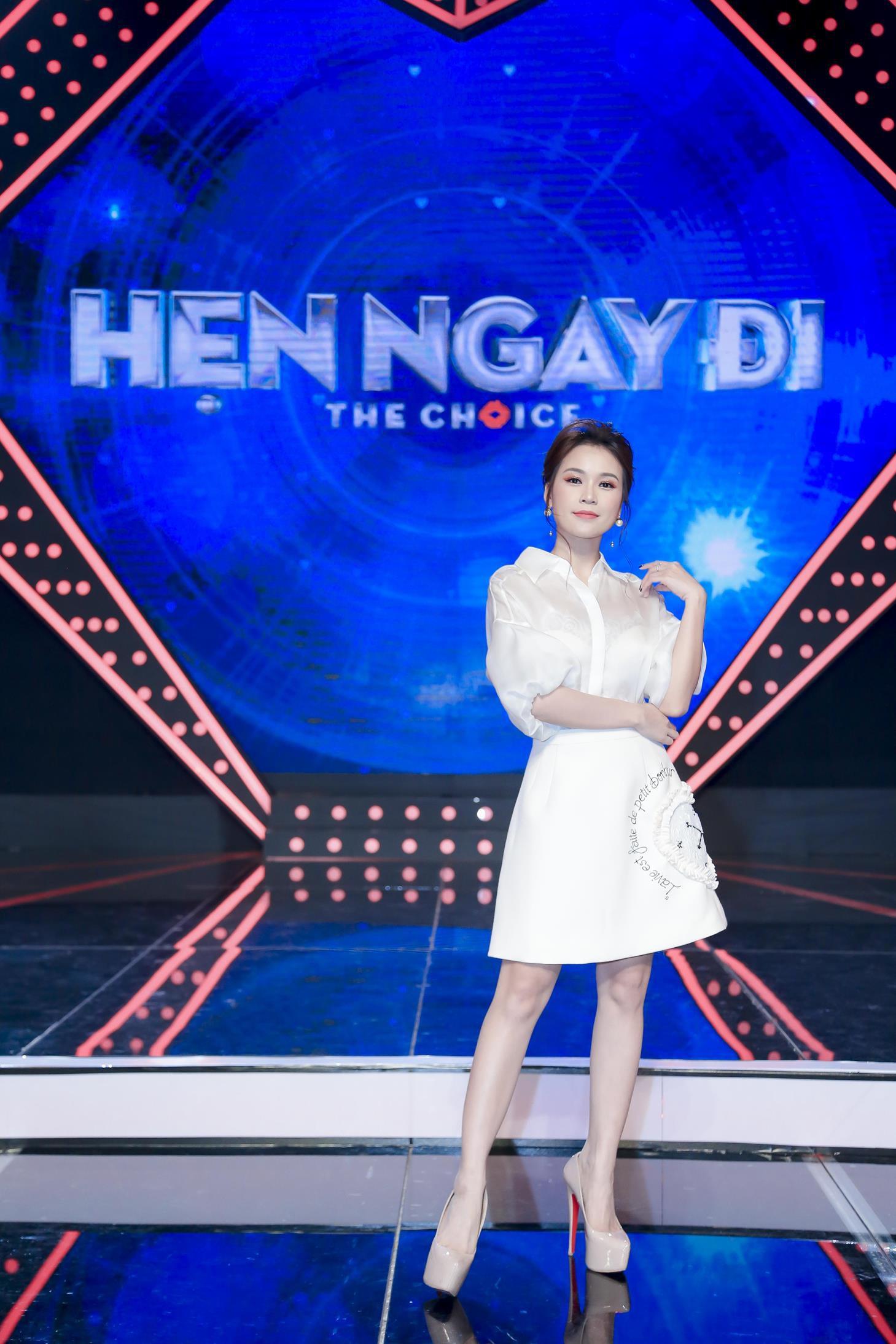 Vừa mới công khai bạn gái, Huỳnh Anh đã vui vẻ đi ăn với người đẹp khác - Ảnh 9.