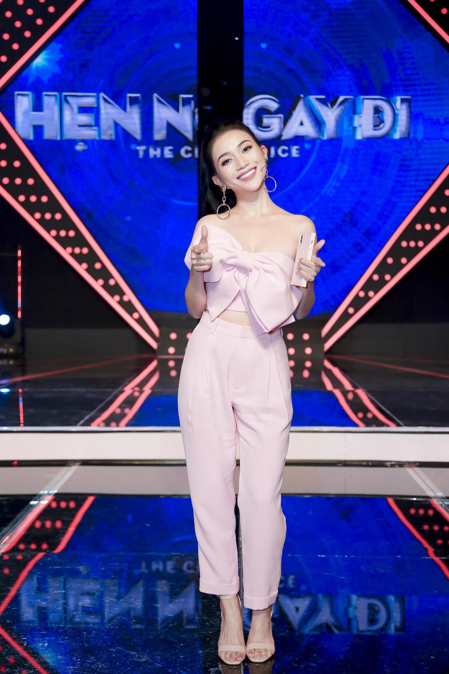 Vừa mới công khai bạn gái, Huỳnh Anh đã vui vẻ đi ăn với người đẹp khác - Ảnh 10.