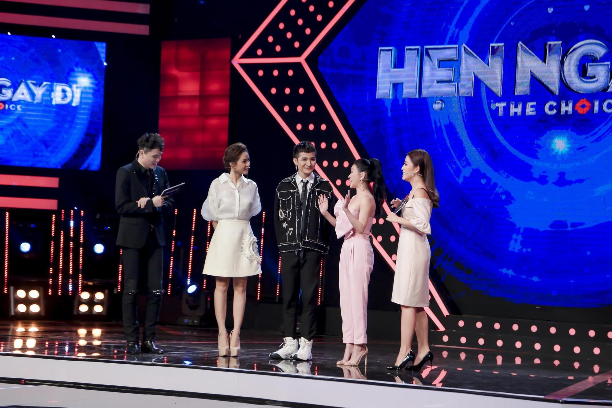 Vừa mới công khai bạn gái, Huỳnh Anh đã vui vẻ đi ăn với người đẹp khác - Ảnh 14.