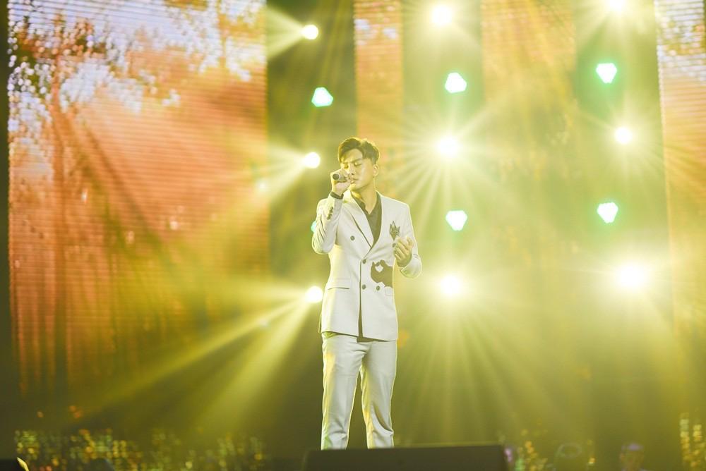 Team Lam Trường bất ngờ bị loại gần hết chỉ còn lại một thí sinh tại The Voice 2018 - Ảnh 26.