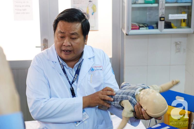 Tưởng bú mẹ là an toàn nhất nhưng rất nhiều trẻ đã rơi vào nguy kịch vì tai nạn này khi bú sữa - Ảnh 4.