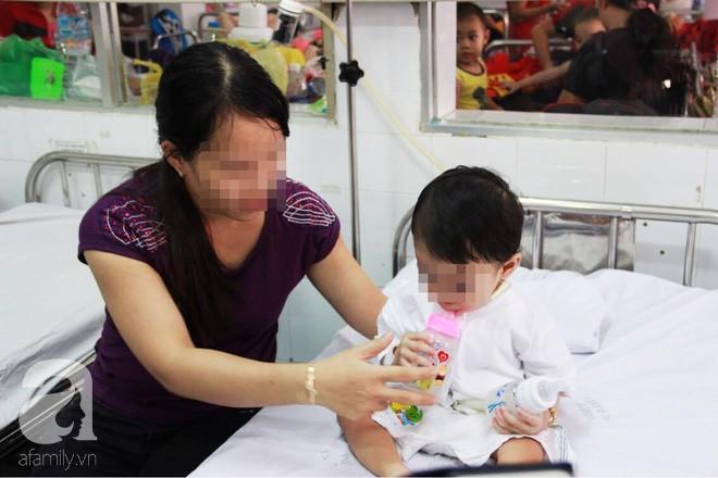 Tưởng bú mẹ là an toàn nhất nhưng rất nhiều trẻ đã rơi vào nguy kịch vì tai nạn này khi bú sữa - Ảnh 3.