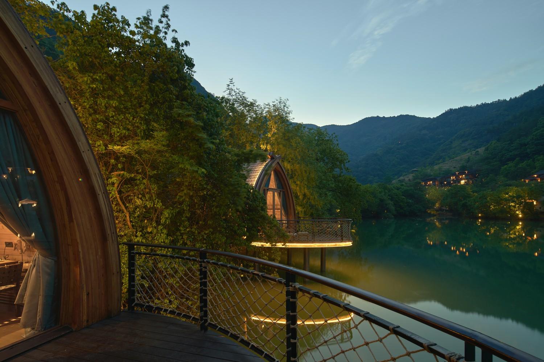 Ngắm ngôi nhà thuyền ven sông đẹp như một bức tranh thủy mặc - Ảnh 9.