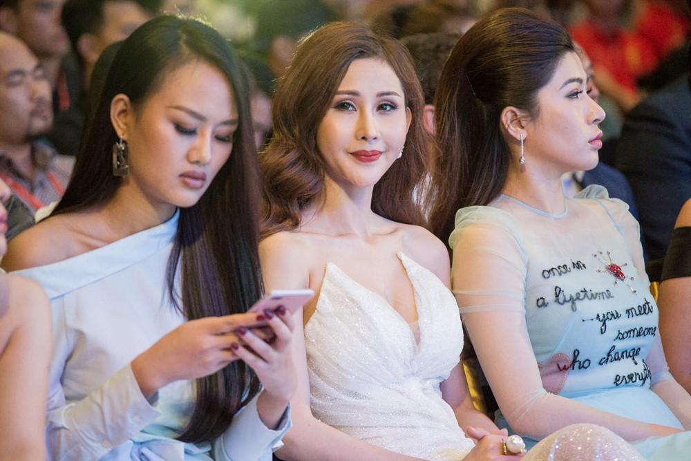 Lại Thanh Hương khoe ngực đầy, Hoa hậu Dương Đặng Thu Thảo huyền bí với váy đen - Ảnh 7.