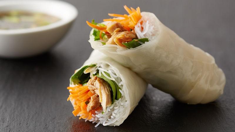 Bữa trưa nhanh gọn mà ngon với món bún cuốn thịt gà  - Ảnh 6.