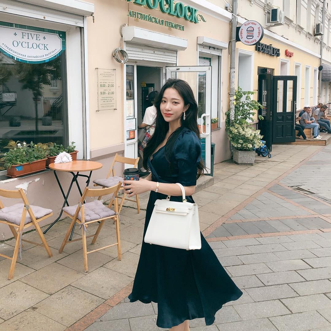 Xem loạt street style Châu Á dưới đây mới ngẫm ra 1 điều: Mặc càng đơn giản thì lại càng đẹp! - Ảnh 7.