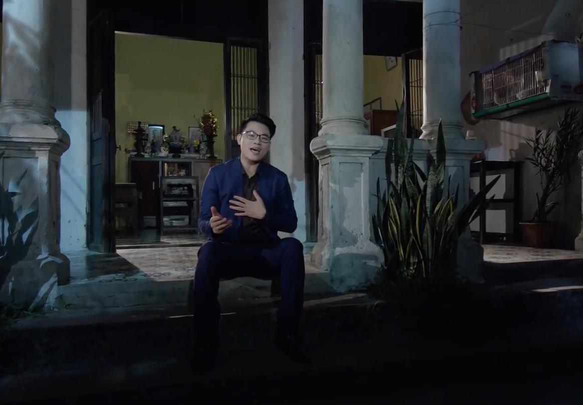 Chàng Tiến sĩ hát bolero Duy Cường bật khóc khi nhớ lại tuổi thơ nghèo khó đi buôn đồng nát cùng mẹ - Ảnh 2.