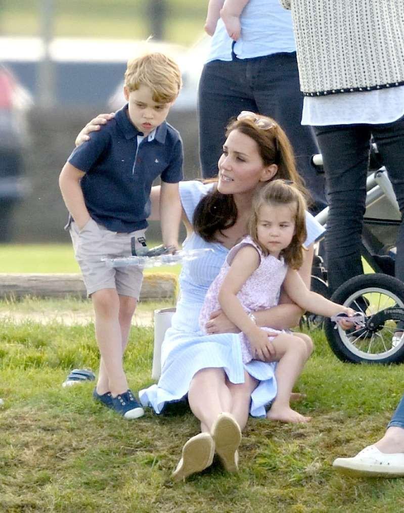 Mới sinh con thứ 3, Công nương Kate không kịp nghỉ ngơi đã lao vào đảm đương công việc nhà chồng nhưng đây mới là lý do thực sự - Ảnh 2.