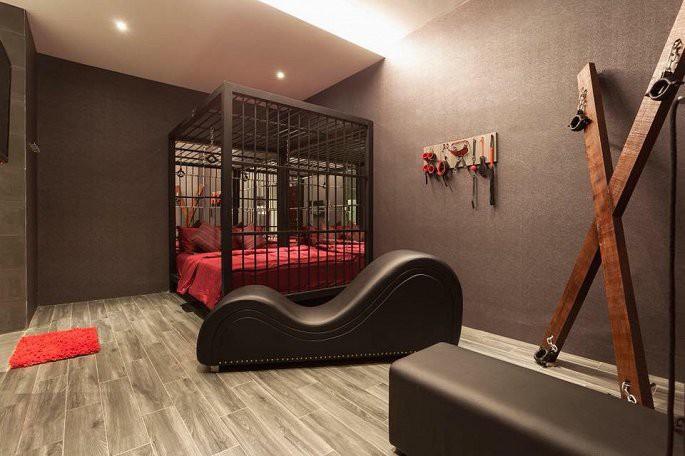 Yêu cầu khách sạn trang trí phòng bạo dâm tháo dỡ: Sở VH-TT&DL Cần Thơ lý giải - Ảnh 1.