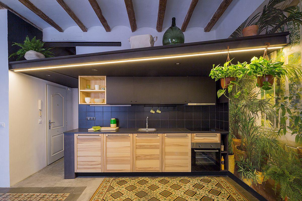Học tập cách cải tạo căn hộ sáng tạo và sống động này để không gian thêm nhiều khu lưu trữ   - Ảnh 1.