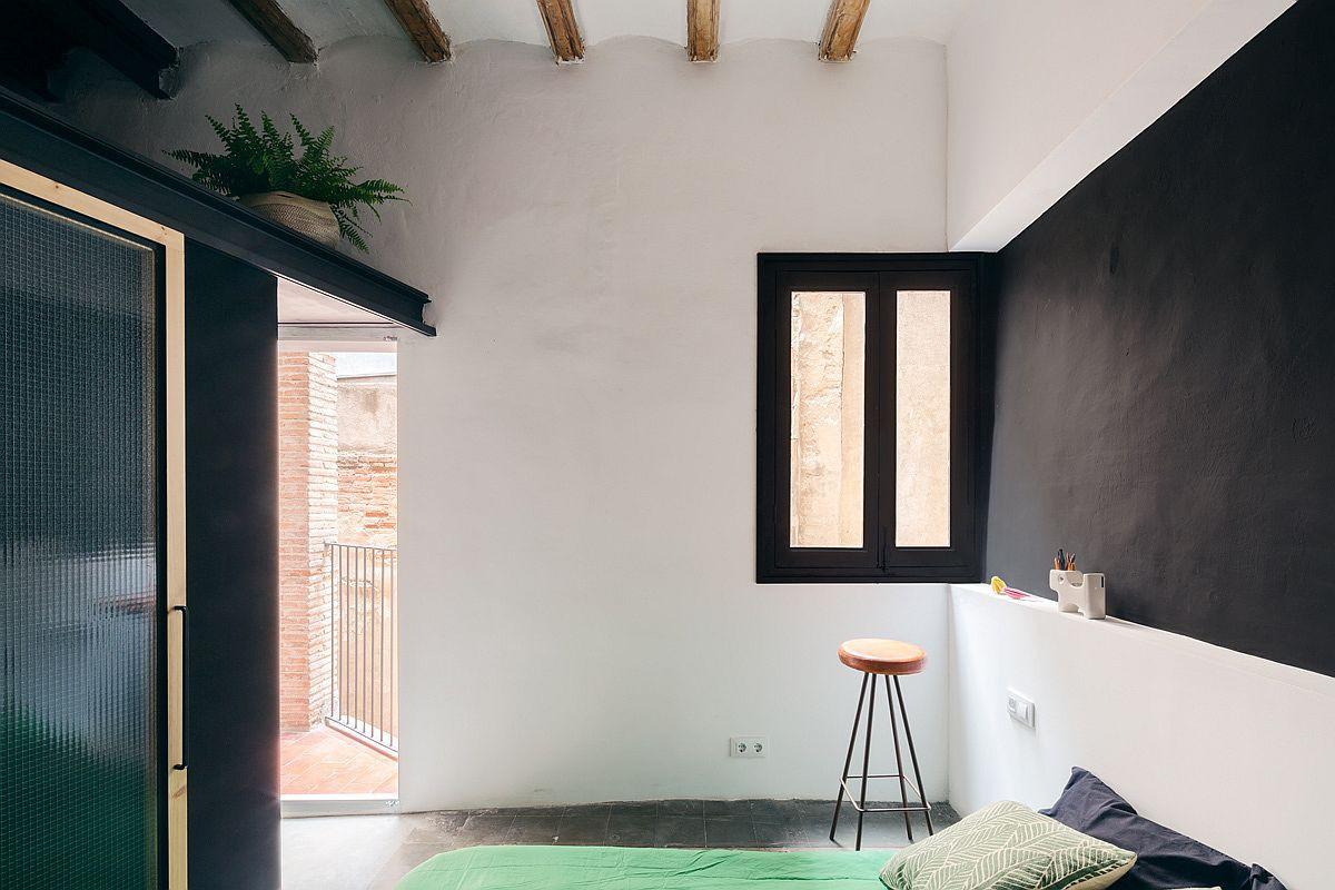 Học tập cách cải tạo căn hộ sáng tạo và sống động này để không gian thêm nhiều khu lưu trữ   - Ảnh 10.