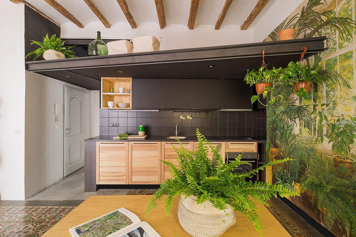 Học tập cách cải tạo căn hộ sáng tạo và sống động này để không gian thêm nhiều khu lưu trữ   - Ảnh 2.