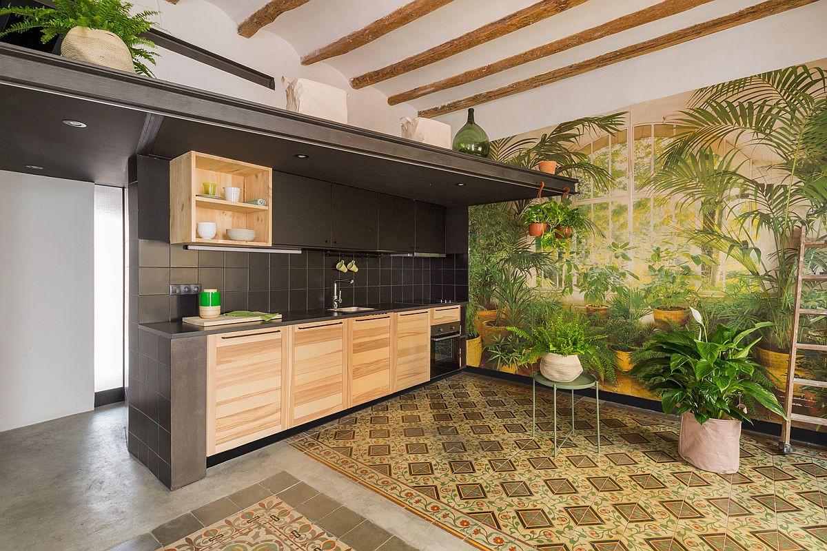 Học tập cách cải tạo căn hộ sáng tạo và sống động này để không gian thêm nhiều khu lưu trữ   - Ảnh 4.