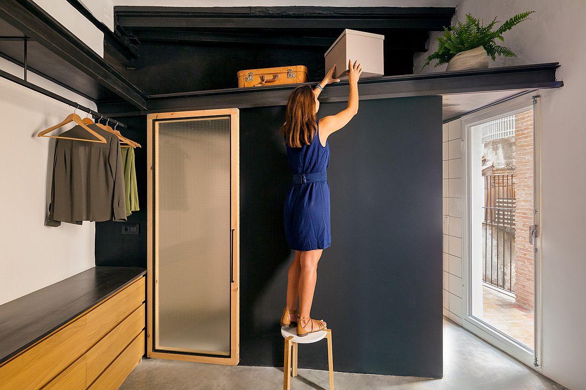 Học tập cách cải tạo căn hộ sáng tạo và sống động này để không gian thêm nhiều khu lưu trữ   - Ảnh 6.