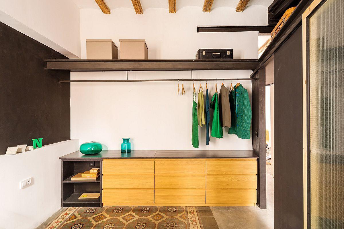 Học tập cách cải tạo căn hộ sáng tạo và sống động này để không gian thêm nhiều khu lưu trữ   - Ảnh 8.