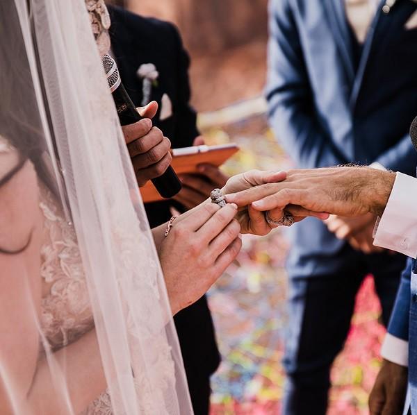 Cặp đôi táo bạo với đám cưới có một không hai: rủ cả quan khách dự tiệc trên chiếc mạng nhện ở độ cao hơn 100m  - Ảnh 6.